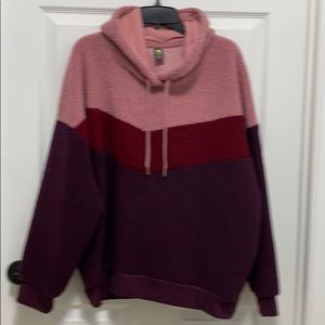 Xersion long sleeve hoodie NWT XXLarge 💯 poly